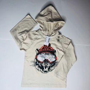Hooded long sleeve boys shirt size 2t